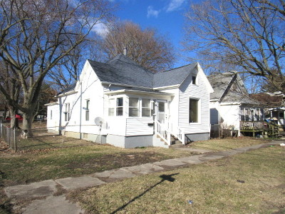 Single Family Home For Sale: 901 East Clay Street