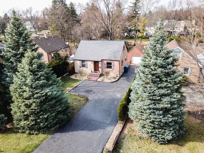 Clarendon Hills Single Family Home For Sale: 370 55th Street