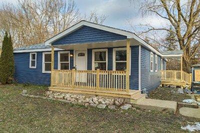 Deerfield Single Family Home For Sale: 14928 West Walnut Drive