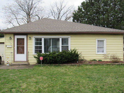 Single Family Home For Sale: 4530 Maple Avenue