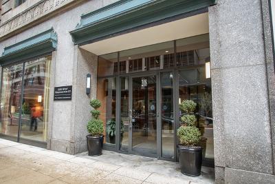 Condo/Townhouse For Sale: 208 West Washington Street #611