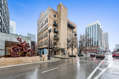 Condo/Townhouse For Sale: 626 West Randolph Street #501
