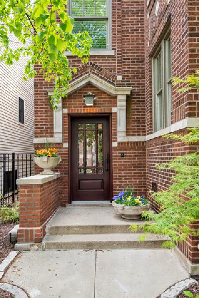 Single Family Home For Sale: 3633 North Marshfield Avenue