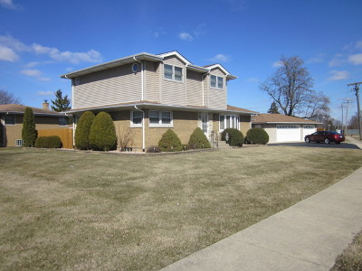 Oak Lawn Single Family Home For Sale: 6600 West 87th Place