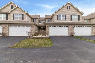 Oswego Condo/Townhouse For Sale: 377 Bluegrass Parkway