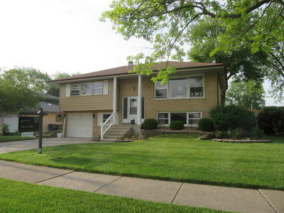 Oak Lawn Single Family Home For Sale: 5105 Wolfe Drive
