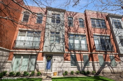 Condo/Townhouse For Sale: 1806 West Byron Street