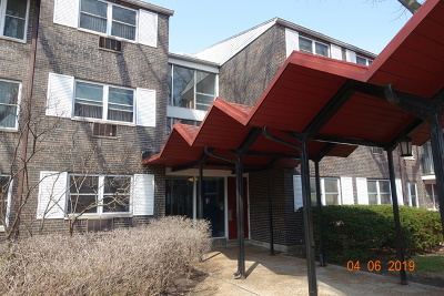 Skokie Condo/Townhouse For Sale: 8720 Skokie Boulevard #2C