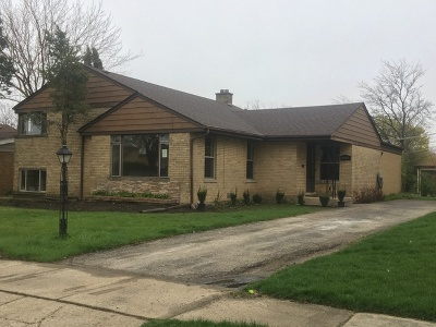 Lincolnwood Single Family Home For Sale: 3811 West Chase Avenue