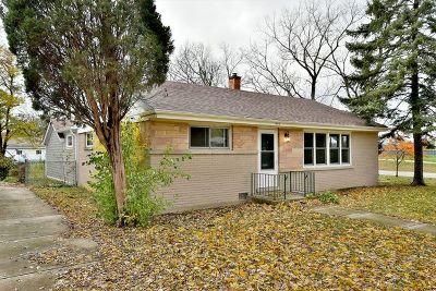 Elmhurst Single Family Home For Sale: 476 North Oak Street