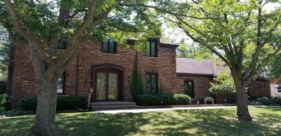 Elk Grove Village Single Family Home For Sale: 695 Ruskin Drive