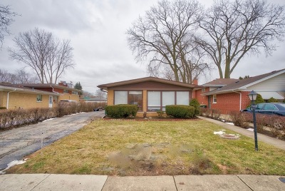 Lincolnwood Single Family Home For Sale: 7339 North Keystone Avenue