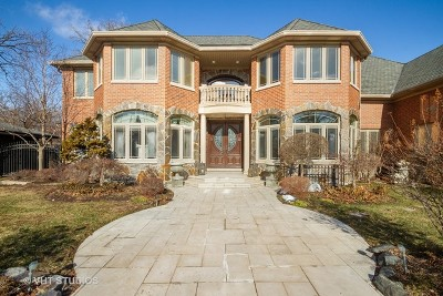 Lincolnwood Single Family Home For Sale: 6455 North Sauganash Avenue
