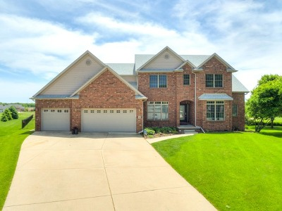 Single Family Home For Sale: 30 Knollbrook Court