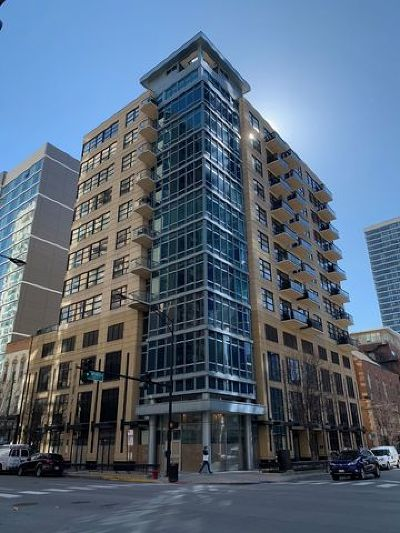 Condo/Townhouse For Sale: 101 West Superior Street #1004