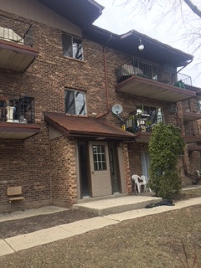 Woodridge Condo/Townhouse New