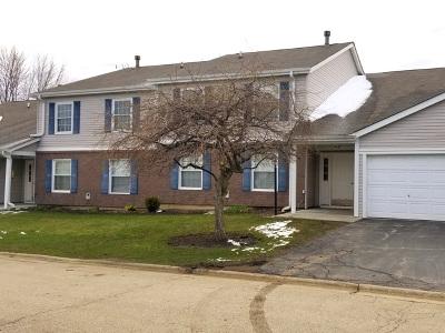 Bartlett IL Condo/Townhouse Contingent: $135,000