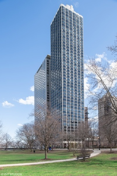 Condo/Townhouse New: 1555 North Astor Street #31W