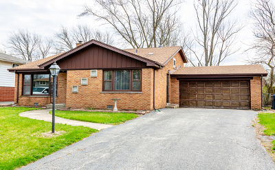 Palos Heights, Palos Hills Single Family Home For Sale: 6839 West Edgewood Road