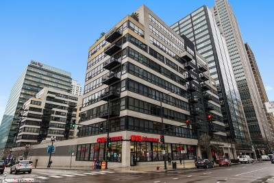 Chicago Condo/Townhouse For Sale: 130 South Canal Street #803