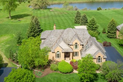 Mc Henry County Single Family Home For Sale: 4107 Farmington Lane