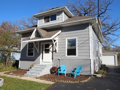 Lake Zurich Single Family Home For Sale: 16 South Shore Lane