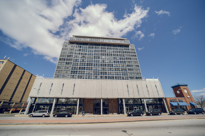 Elmwood Park Condo/Townhouse Contingent: 7234 West North Avenue #1612
