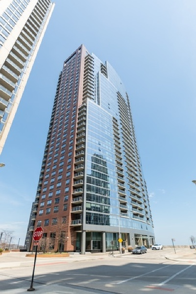 Condo/Townhouse New: 450 East Waterside Drive #1505