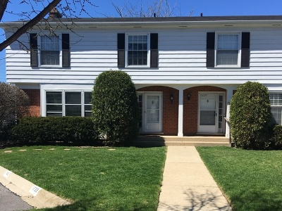 Northfield Condo/Townhouse For Sale: 1741 Colonial Lane
