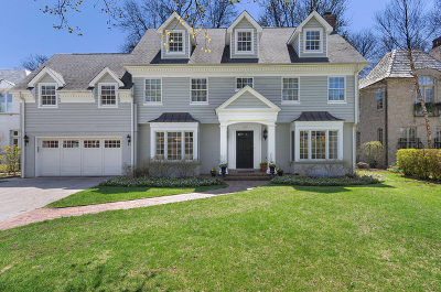 Kenilworth Single Family Home For Sale: 132 Tudor Place