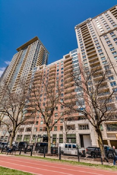 Condo/Townhouse New: 270 East Pearson Street #1402