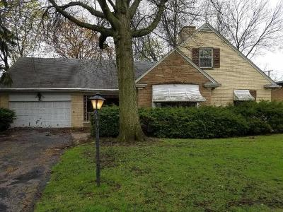 Lincolnwood Single Family Home For Sale: 6633 North Minnehaha Avenue