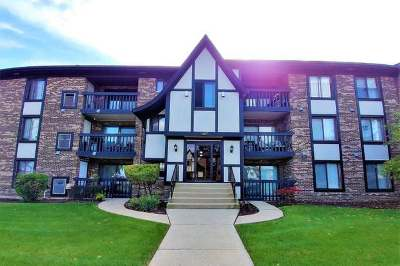 Crestwood Condo/Townhouse Re-Activated: 4845 West 137th Street #C23