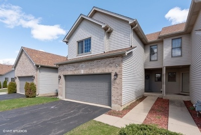 Elgin Condo/Townhouse New: 137 Fawn Lane