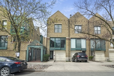 Condo/Townhouse New: 1614 North Mohawk Street