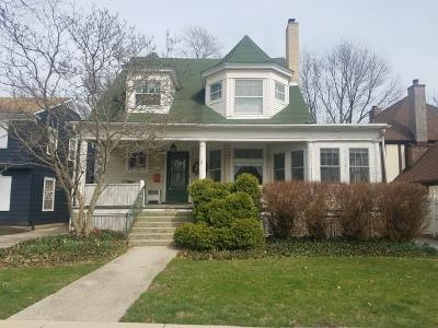 La Grange Single Family Home For Sale: 237 South Kensington Avenue