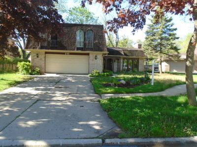 Deerfield Single Family Home For Sale: 845 Deere Park Court