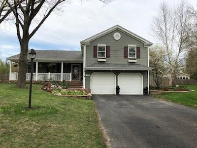 Batavia Single Family Home For Sale: 943 Bluestem Lane