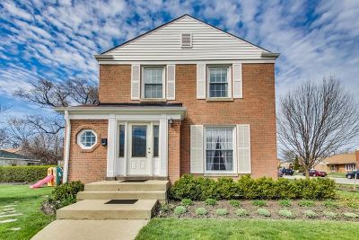 Lincolnwood Single Family Home For Sale: 3600 West North Shore Avenue
