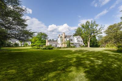 Northfield Single Family Home For Sale: 2315 Clover Lane