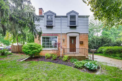 Libertyville Single Family Home For Sale: 706 East Lincoln Avenue