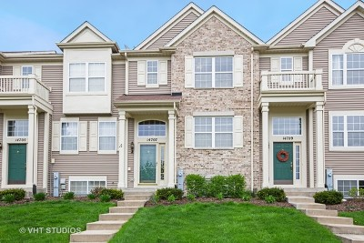 Plainfield Condo/Townhouse For Sale: 14707 Paul Revere Court