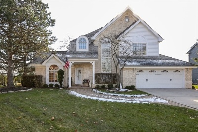 Darien Single Family Home For Sale: 1405 Pine Cove Court