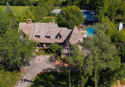 Northfield Single Family Home For Sale: 143 Sunset Ridge Road