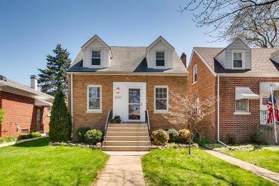 Brookfield Single Family Home For Sale: 3507 Kemman Avenue
