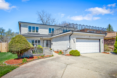 Morton Grove Single Family Home For Sale: 4 Reba Court