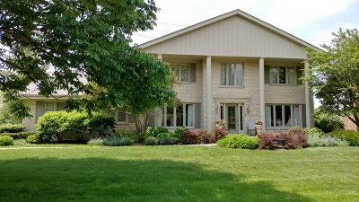 Burr Ridge Single Family Home For Sale: 8532 Heather Drive