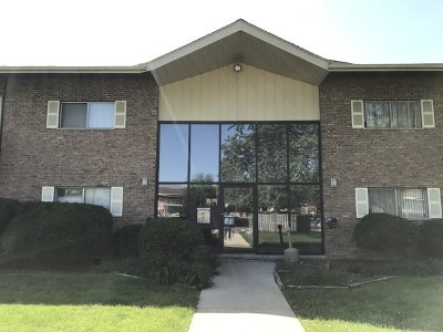 Darien Condo/Townhouse For Sale: 7410 Brookdale Drive #106