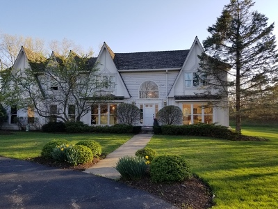 Lake Forest Single Family Home For Sale: 1699 Stratford Court