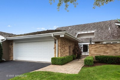 Oak Brook Condo/Townhouse For Sale: 47 Briarwood